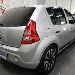 Foto numero 4 do veiculo Renault Sandero Expression 1.0 16V - Prata - 2011/2012