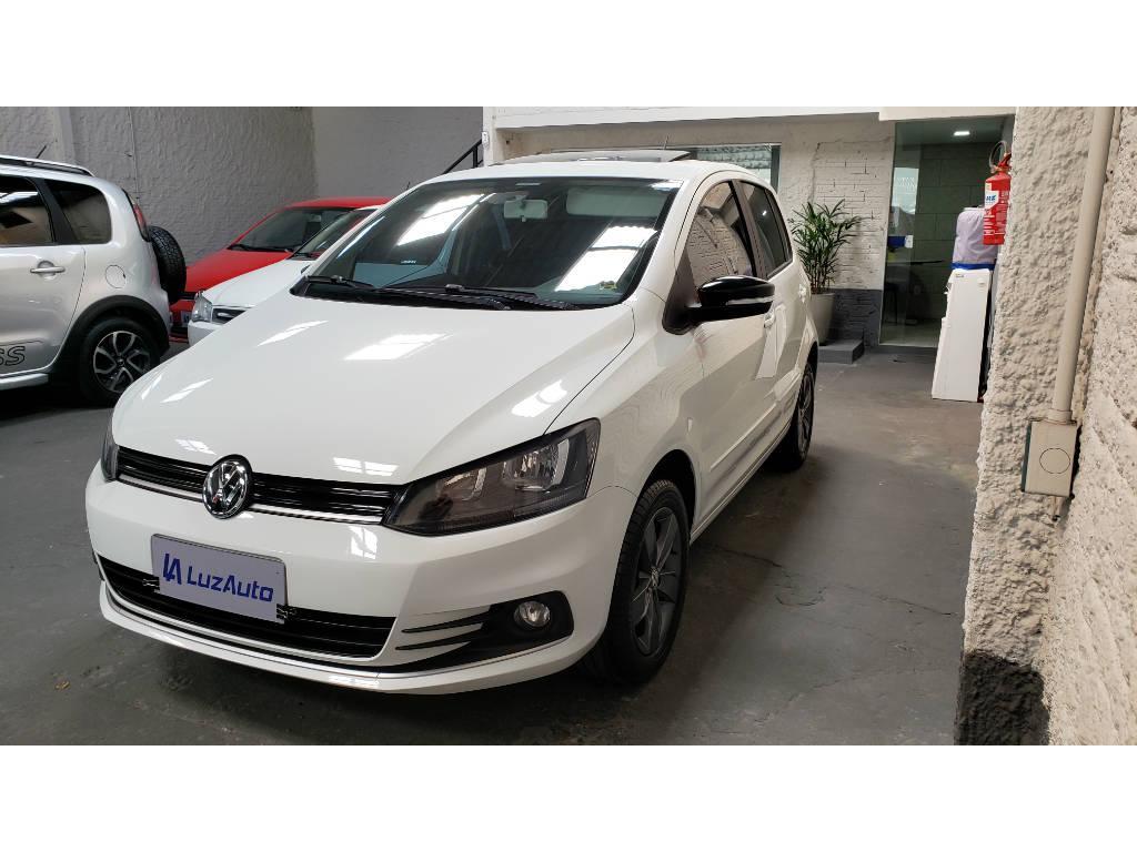 Foto numero 2 do veiculo Volkswagen Fox Connect 1.6 Flex 8V 5p - Branca - 2018/2019